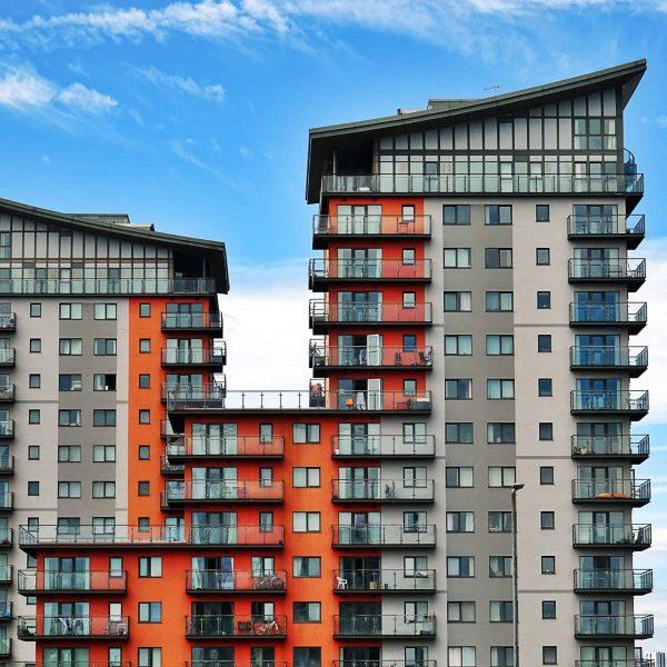 apartment-balcony-buildings-city-439391